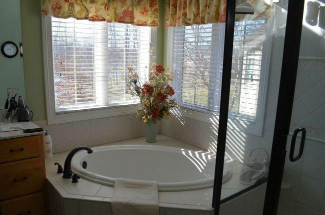 Bathroom Remodeler Louisville KY - before